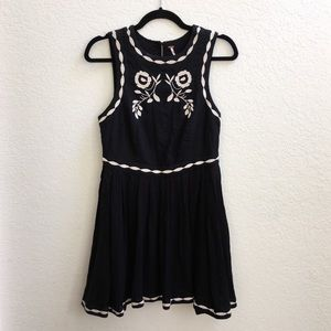 Free People Embroidered Dress NWT Beautiful!